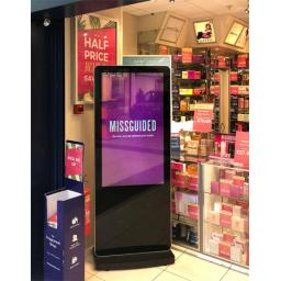 led-slimline-freestanding-digital-signage-posters-kiosks-totems-standalone-plug-and-play-36.jpg