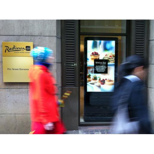 led-slimline-freestanding-digital-signage-posters-kiosks-totems-standalone-plug-and-play-09.jpg
